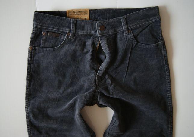 Roz. 30/34 Wrangler nowe sztruksowe spodnie model texas regular fit