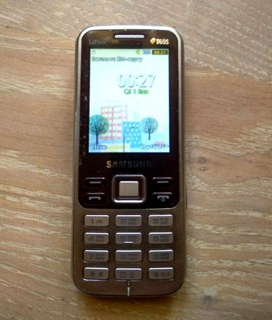 Мобильный телефон Samsung GT-C3322 на 2 sim (2 сим карты)