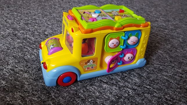 Interaktywny samochód autobus