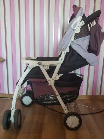 Продам прогулочную детскую коляску Chicco.