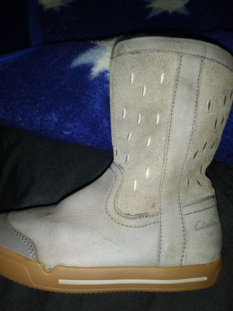 Ботинки, кроссовки, сапоги сапожки осенние фирмаH&M Clarks