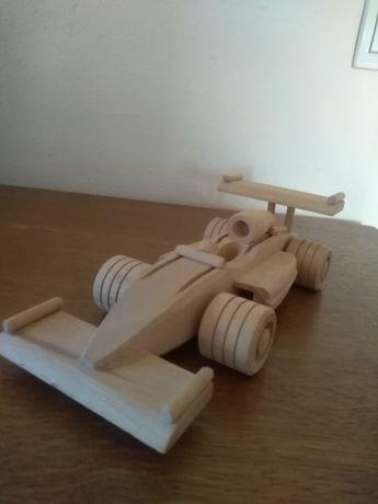 Drewniana wyścigówka