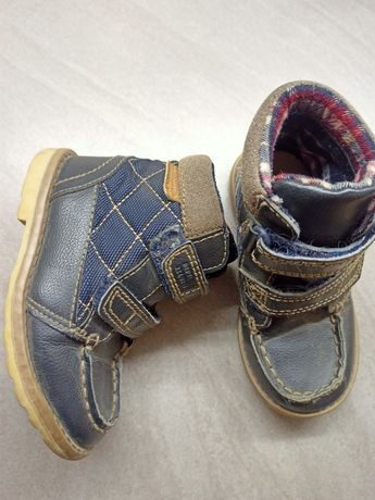 Ботинки осенние. бренд George. размер 24. по стельке 16 см