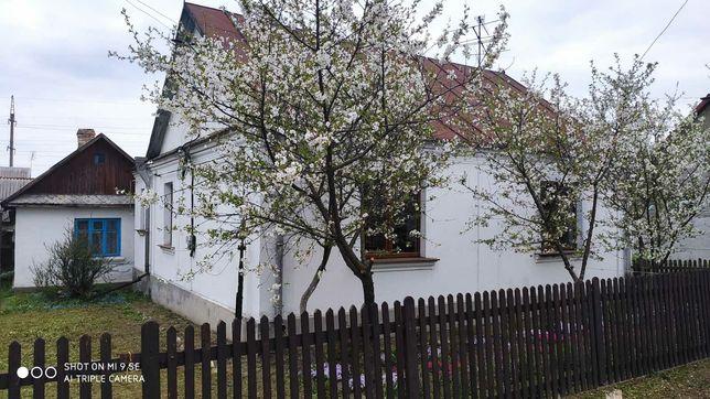 Продається житловий будинок в районі вулиці Миру