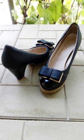 Туфли р.36 натуральная кожа.
