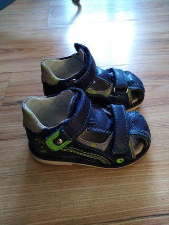 Sandałki chłopięce rozmiar 21