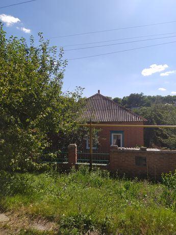 Продам дом в Чугуеве не далеко от центра