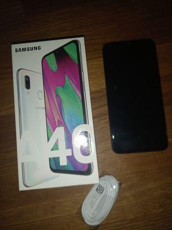 Smartfon Samsung A40