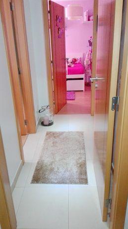 Apartamento T2 com garagem, Charneca de caparica
