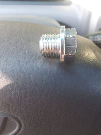 болт-пробка масляного поддона картера двигателя М14-1.5-10