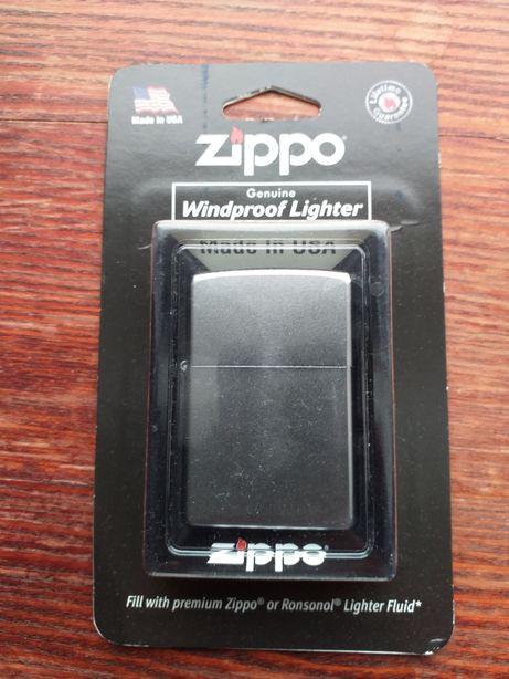 Zippo- nowa, oryginalna zapalniczka z USA, kolor srebrny.