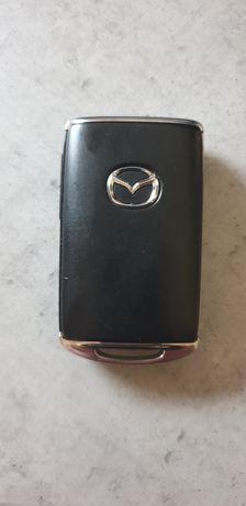 Znaleziono klucze do auta w lesie zabierzowskim Zabierzów