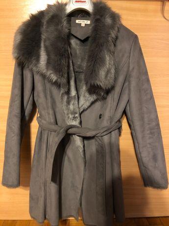 Płaszcz z cicikiem sztuczny kożuch