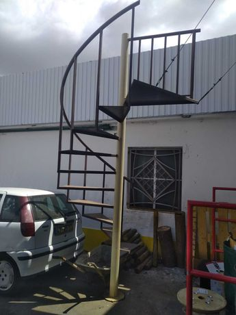 Escadas Caracol em Ferro