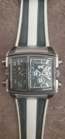 Наручные стильные часы