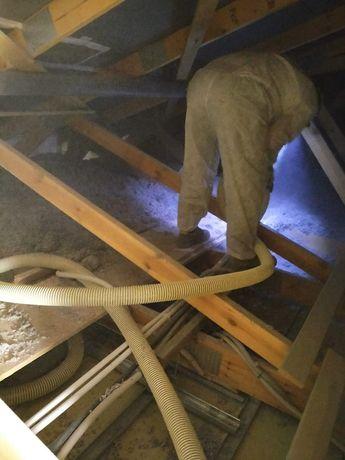 Ocieplanie poddaszy metodą wdmuchiwania / celuloza stropy dachy