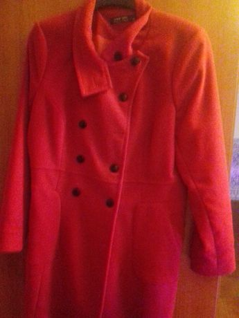 vendo casaco ou blazer cor vermelha tamanho 46 cmpletamente novo