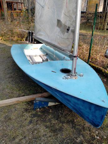 Łódka żaglówka jacht europa