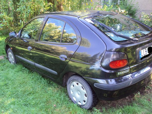 Renault Megane 1.6 benzyna 1997r.