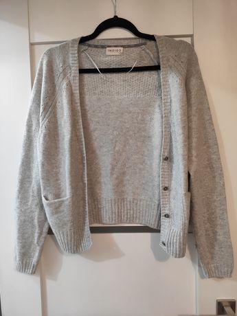 Sweterek szaryyy