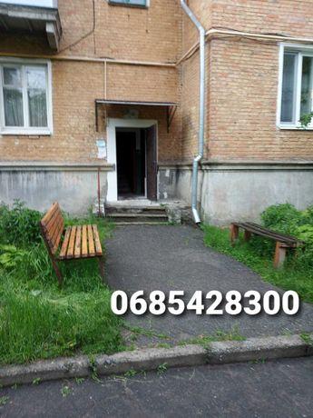 Квартира 3-х комн., тихий район, Сталинка по ул. Шевченко, этаж 1-й