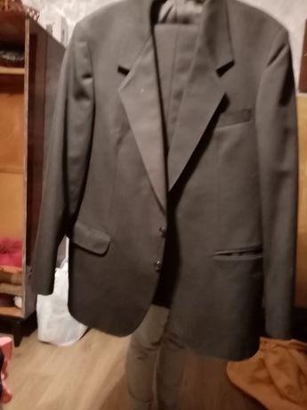 Новый мужской костюм