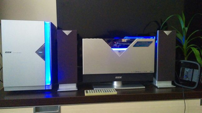 Музыкальная система DVD проигрыватель, караоке, подкл-ся к телевизору