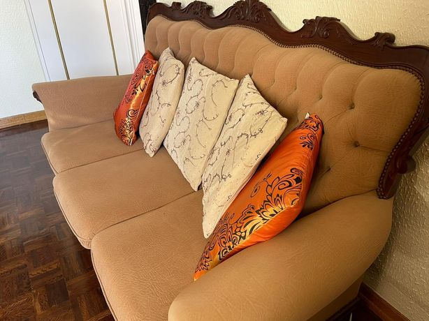 Sofá estilo antigo