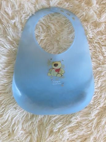 Продам силиконовый фирменный слюнявчик с карманом Canpol babies