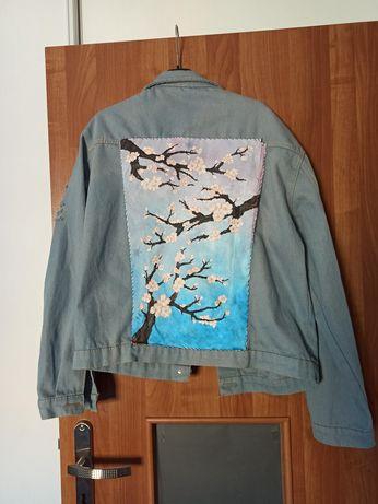 Kurtka jeansowa z ręcznie malowanym ekranem