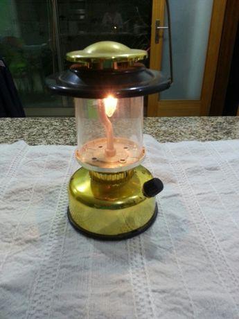 Lanterna a pilhas
