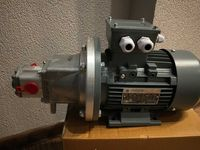 Hydrauliczny zespół pompowy, zasilacz hydrauliczny