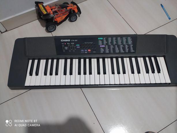 Sprzedam keyboard casio