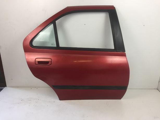 Peugeot 406 Sedan Drzwi Prawe Tył Tylnie Czerwone