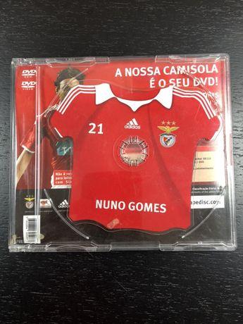 Nuno Gomes avançado do Benfica - Oferta portes