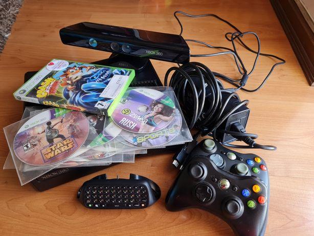 Xbox 360 desbloqueada + Kinect + 2 comandos + Keyboard + 14 jogos