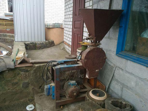 Зернодробилка, млин