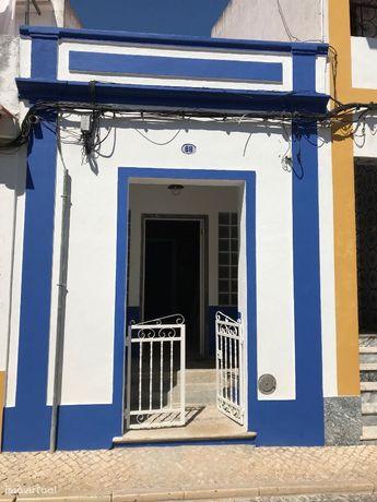 Cuba V2+1 Totalmente Remodelada c/churrasqueira e Terraço