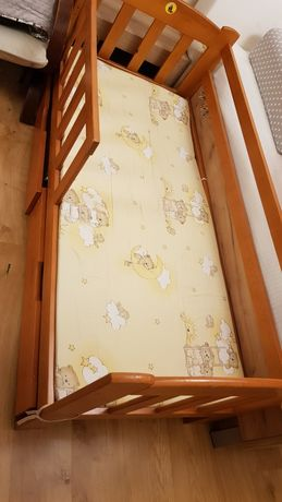 Lóżeczko młodzieżowe/dziecięce. Drewniane, szuflady, materac. 180x80.