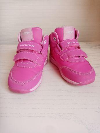 Кросівки, дитяче взуття