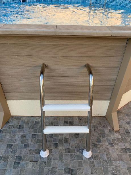 Escadas para piscina semienterrada - acesso exterior – Nova