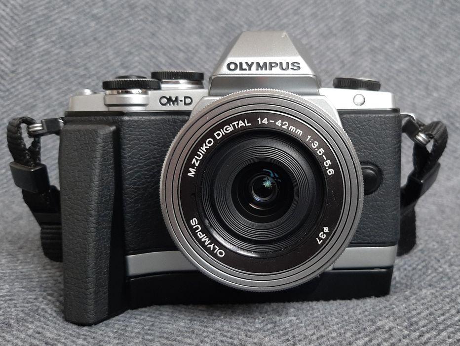 Aparat Olympus OMD EM10 + 14-42mm f3.5-5.6 + grip Warszawa - image 1