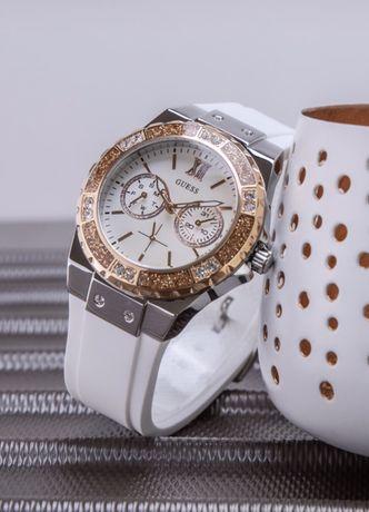 Новые Часы Guess из коллекции Jennifer Lopez for GUESS со Swarovski