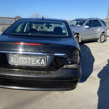 Ляда Стоп Крышка багажника Бампер Стекло  Молдинг Mercedes E211 W211