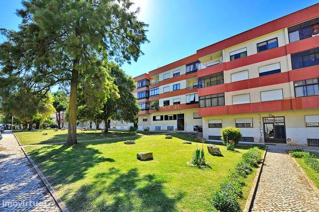 Apartamento T2 - Agualva Cacém