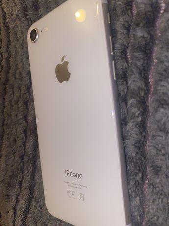 Sprzedam iphone 8