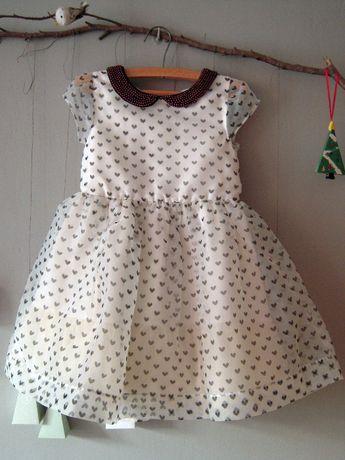 Wizytowa sukienka w serduszka r. 110 cm