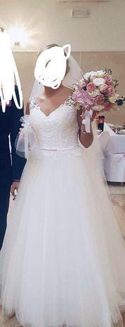 Suknia ślubna Madonna sposabella koronka welon dekolt sukienka