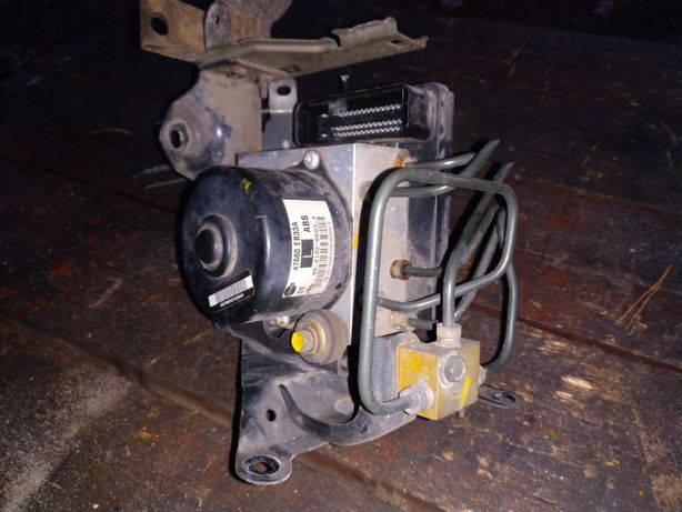 Pompa ABS Navara D 40 2007r