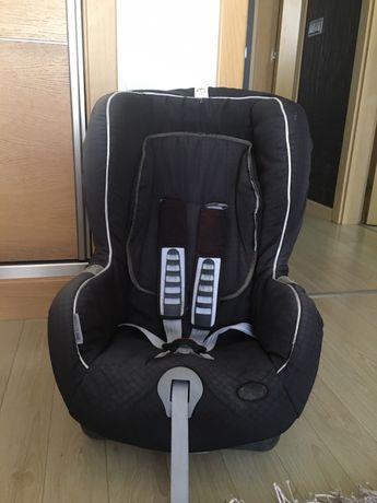 Cadeira Romer Com sistema Isofix